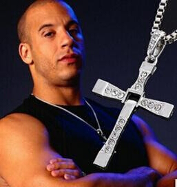 New Movie jewelry The Fast and The Furious Dominic Toretto Vin Diesel Classic Male Rhinestone CROSS Pendant Necklace(China (Mainland))