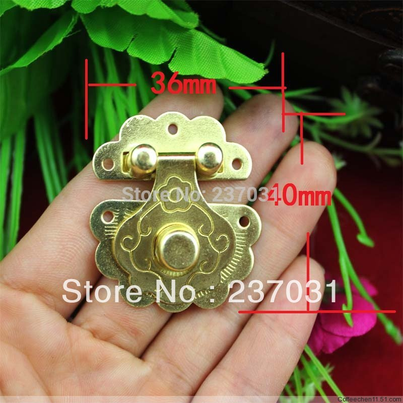 36 * 40 mm flower buckle/yellow tin buckles/can match the lock button box /camera obscura<br><br>Aliexpress