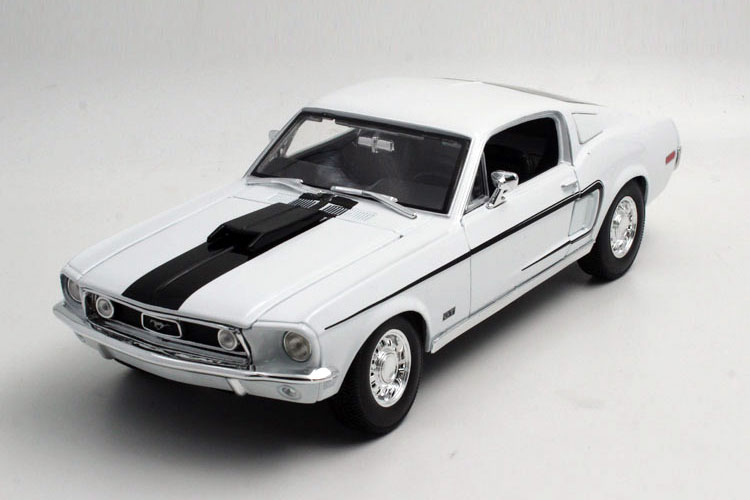 Brand New 1/18 Scale Maisto Car Model Toys 1968 Ford Mustang GT Cobra Jet Diecast Metal Car Model Toy For Collection/Gift/Kids(China (Mainland))