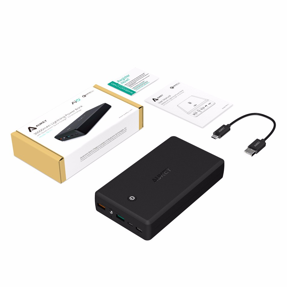 AUKEY 30000mAh Power Bank Quick Charge 3.0 Portable Phone Charger Dual USB Output Powerbank for iPhone 7 6s Xiaomi mi5 Redmi3