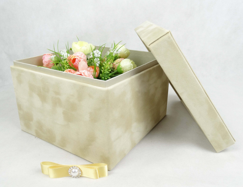 high-quality nude diamond velvet square to make flower boxes, flower shop gift box packagingwe have many flower box in shop(China (Mainland))