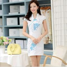 2015 Fashion Improved embroidered flowers Handmade tray Buckle Slim was thin Dress short paragraph Cheongsam