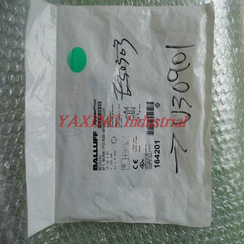 **New  SensorBES M08MI-PSC40B-BP00.5-CS04