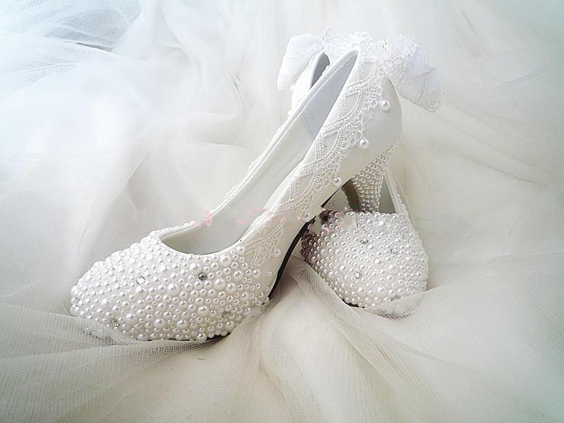 Фотография Luxurious 8cm Heel Wedding Bridal shoes Elegant Pearl Crystal Rhinestone  Gorgeous Popular Formal Shoes GrainLeather Shoes women