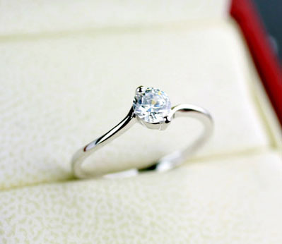 Angering Classic Sparkling Solitaire 0.5ct CZ Wedding Rings female wedding ring props free shipping(China (Mainland))