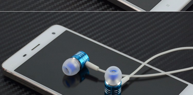 Hot Cool Luminous Earphone Glow In The Dark In-Ear Metal Earphones Stereo Headset With Microphone For Xiaomi Samsung iPhone 4S