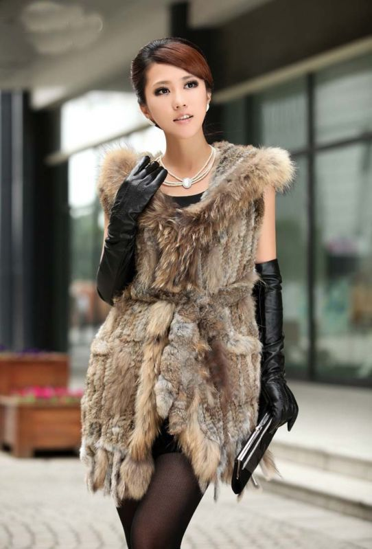Real Knitted Rabbit Fur Vest Waistcoat With Raccoon Hoody And Tassels Lady Coats(China (Mainland))