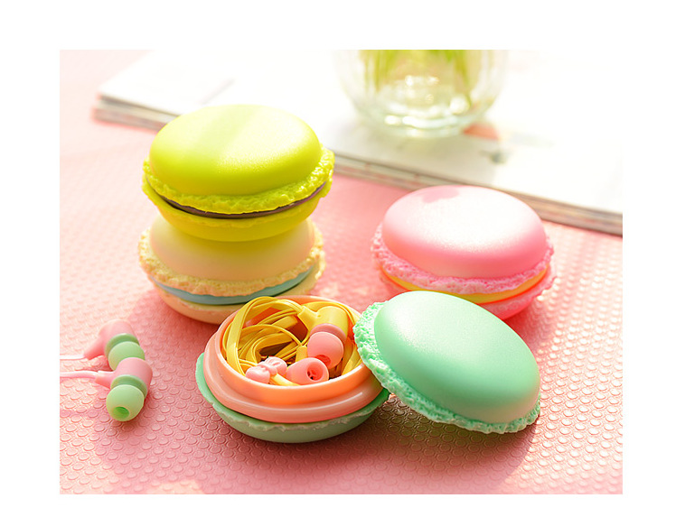 1Pc SD Hold Case Macaron shape Candy color Storage Carrying Hard Bag Box for Earphone Headphone Earbuds memory Card(China (Mainland))