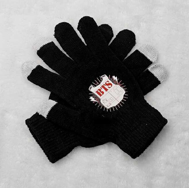 Kpop bts bangtan boys red shield printing black gloves korean style touch screen winter gloves for men women unisex(China (Mainland))