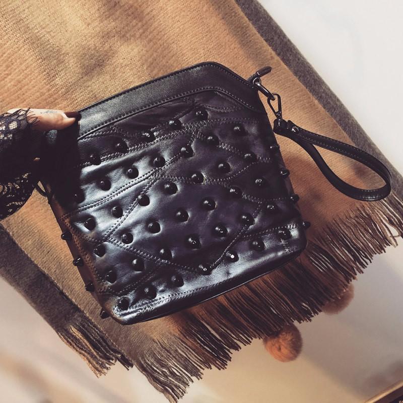 Ladies Fashion Shoulder Bag Real Leather Small Handbag Edgy Rivets-studded Sheepskin Classic Bag Women Cheap Crossbody Bag