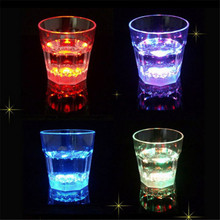 2016 New Water Induction Colorful LED Flashing Beverage Wine Cup Outdoor Camping Bar Decorative Plastic Party Mug Hoy Selling(China (Mainland))