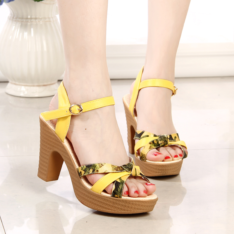 2016 summer women Sandals sweet genuine leather high-heeled thick heel platform women plus size shoes white shoes female sandals