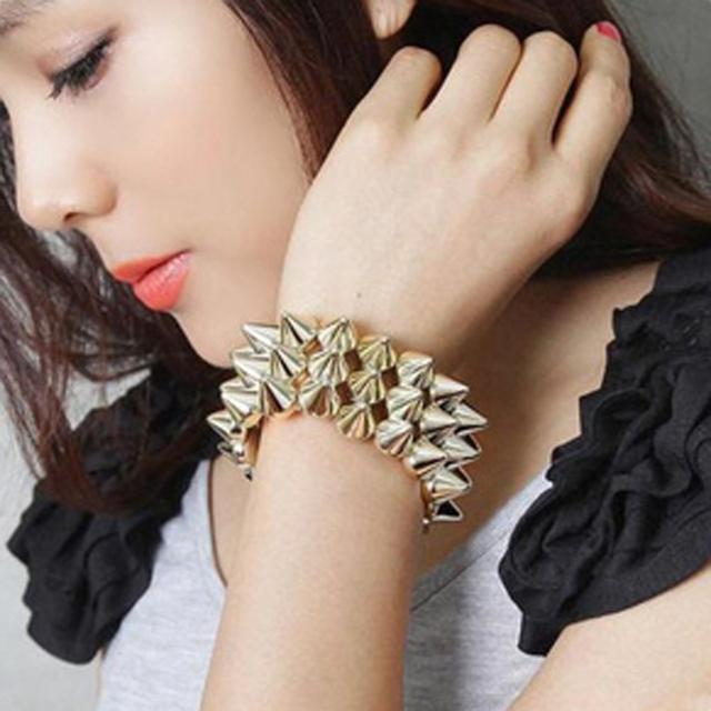 Min.order is $10(mix order) Hl14201 fashion accessories spike hedgehogs3 rivet bracelet strap fashion punk bracelet 46g