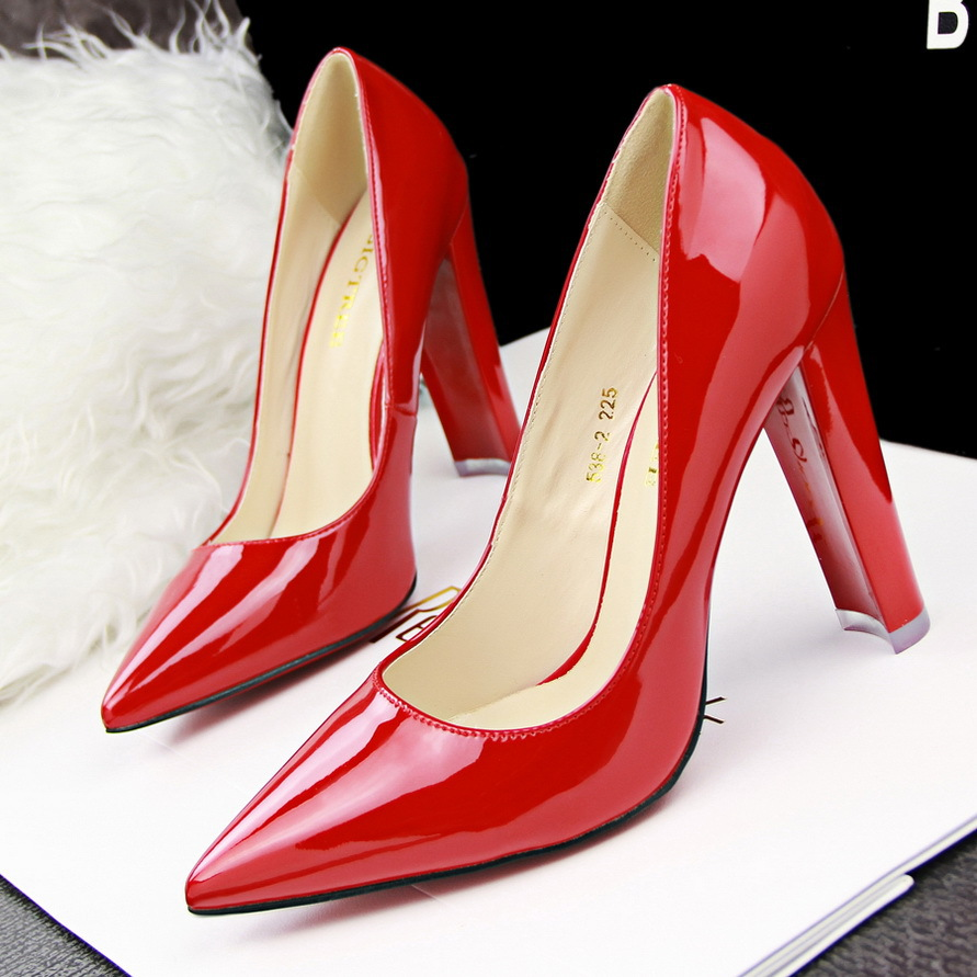 Free shipping women's pumps sexy simple thick with slimmer shoes high heel pumps pointy elegance OL career women's shoes(China (Mainland))