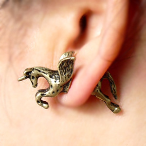 factory big European and American popular retro punk style Pegasus wings unicorn horse piercing vintage women stud earrings E164(China (Mainland))