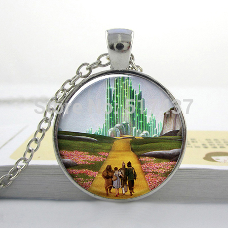 Christmas gift Yellow Brick Road Oz art pendant necklace, Wizard of Oz resin necklace, Oz jewelry glass photo pendant necklace(China (Mainland))