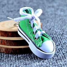 Mini Silicone Saco Keychain Charme da Mulher das Sapatas de Lona Dos Homens Crianças chave Anel Chave Do Presente Titular Sports Sneaker Chaveiro Engraçado presentes(China)