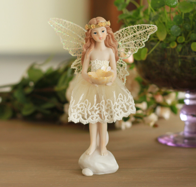 Lifelook Miniature Fairy Figurines Resin Crafts Wedding Deocration Ornament Home Decoration Gift Collection(China (Mainland))