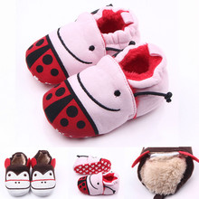 Fashion 0-1 Year Cotton Fabric Baby Moccasins Cute Lovely Newborns Girls Boy Ladybug Soft Crib Shoe Infant Fleece Warm Shoes(China (Mainland))