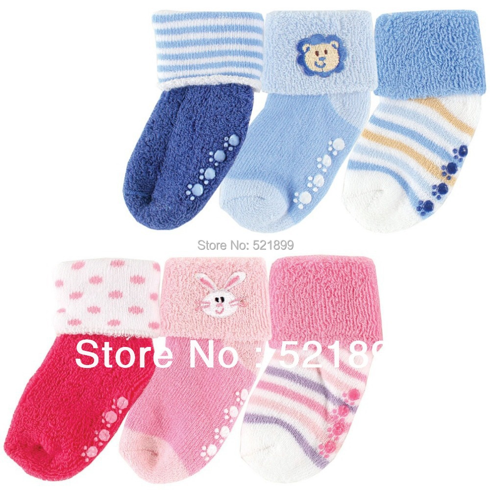 3 Pairs lot Baby Socks Luvable Friends Beary Cute Non