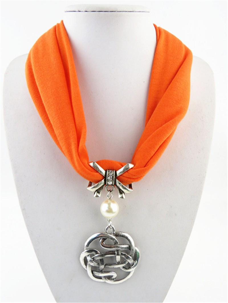 Women winter scarfs 2017 new arrival loop scarf white shawl for wedding dress ring scarf with pearl alloy pendent necklace scarf