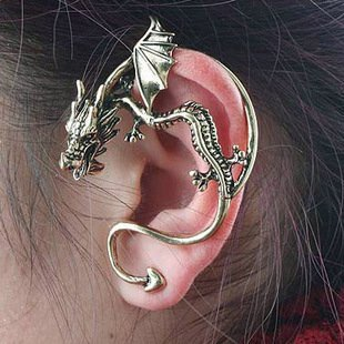 724 Min.order is $15 (mix order) Gothic punk personality retro shape of a dragon with wings earrings Single Vintage Jewelry1pc