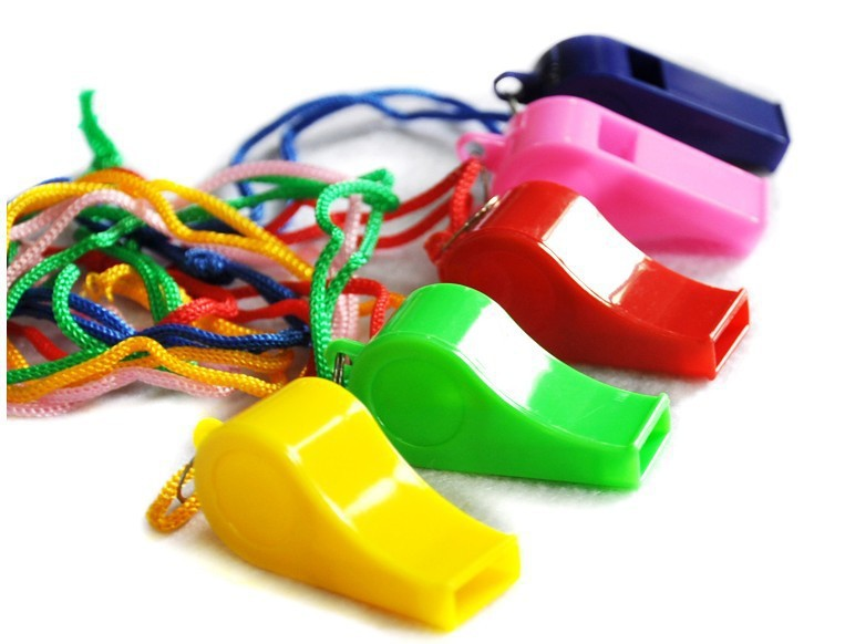 Free Shipping Mix Color Plastic Whistle with Lanyard Neck Chain for School Outdoor Sports Boats Party Games Dot Trainning(China (Mainland))
