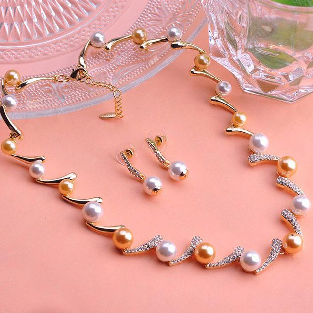 Здесь можно купить  Boutique Anniversary Jewelry Sets Colar Fashion Pearl Necklace Earring Accessories Bridal Best Large Indain Gold sets Relogio UK  Ювелирные изделия и часы