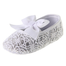 hot!  baby girl silver white lace fretwork first-walkers home shoes size 2 3 4 in US free shipping(China (Mainland))