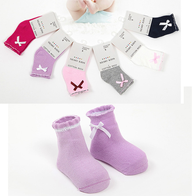 100% хлопок Baby girl носки Прекрасный сплошной цвет с бантом детские носки, маленькие ...