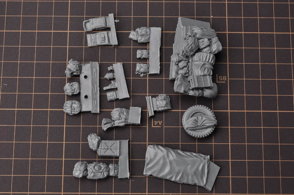 Resin Kits 1/35 Fury WWII US Willis Jeep Car's Sandbags Outfitting Free Shipping 1 Set Accessory(China (Mainland))