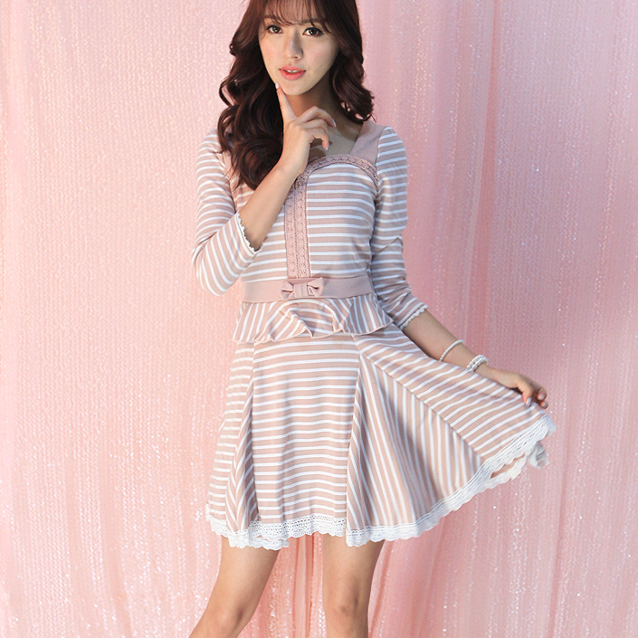 Princess sweet lolita dress  Flower Uncle Bowknot backless ruffled stripe knitting 7 minutes of sleeve dress UF69Одежда и ак�е��уары<br><br><br>Aliexpress
