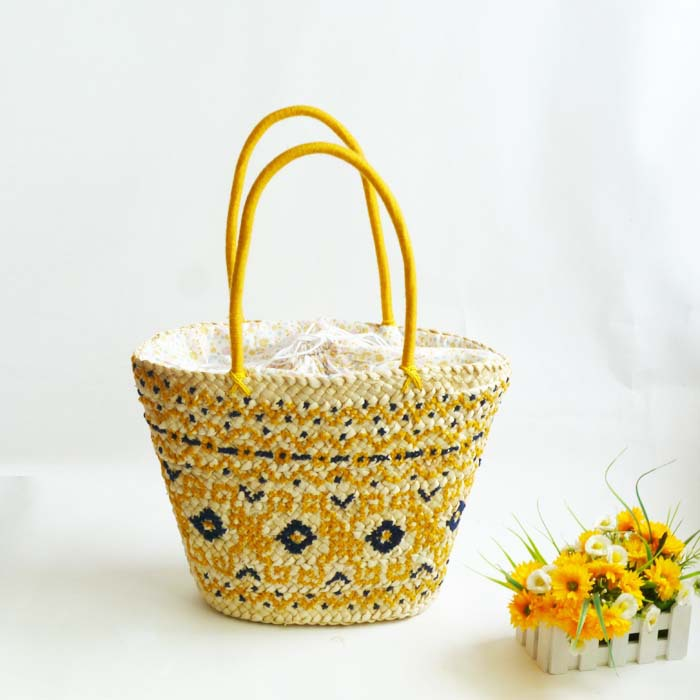 Factory wholesale 2013 new handmade embroidered beautiful ladies' handbags(China (Mainland))