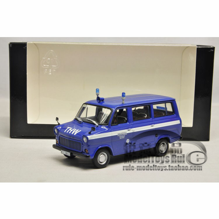 1:43 Minichamps Ford Transit Bus Ford Mini cut 1977 car model(China (Mainland))