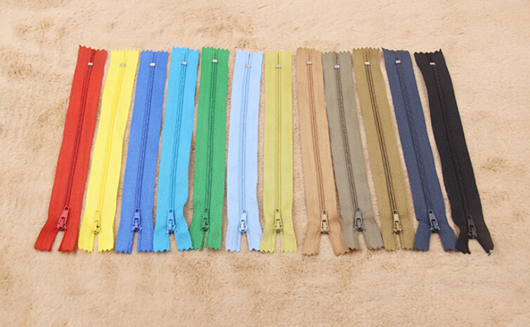 36pcs Random Color Assorted Dress Upholstery Craft Nylon Metal Closed Ended Zips Repair 3# 7inch(China (Mainland))