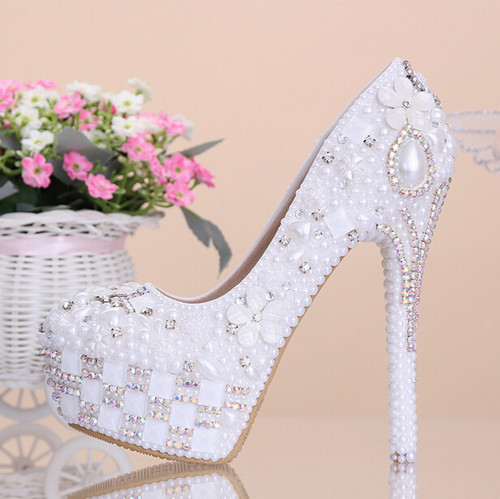 2015 new fashion pearl white flowers diamond Women wedding shoes leather bridal shoes high heel Women pumps<br><br>Aliexpress
