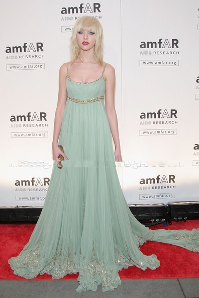 Taylor Momsen Spaghetti Straps Mint Green Beadings Appliques Chiffon Court Train Red Carpet Celebrity Dress Evening Gown(China (Mainland))
