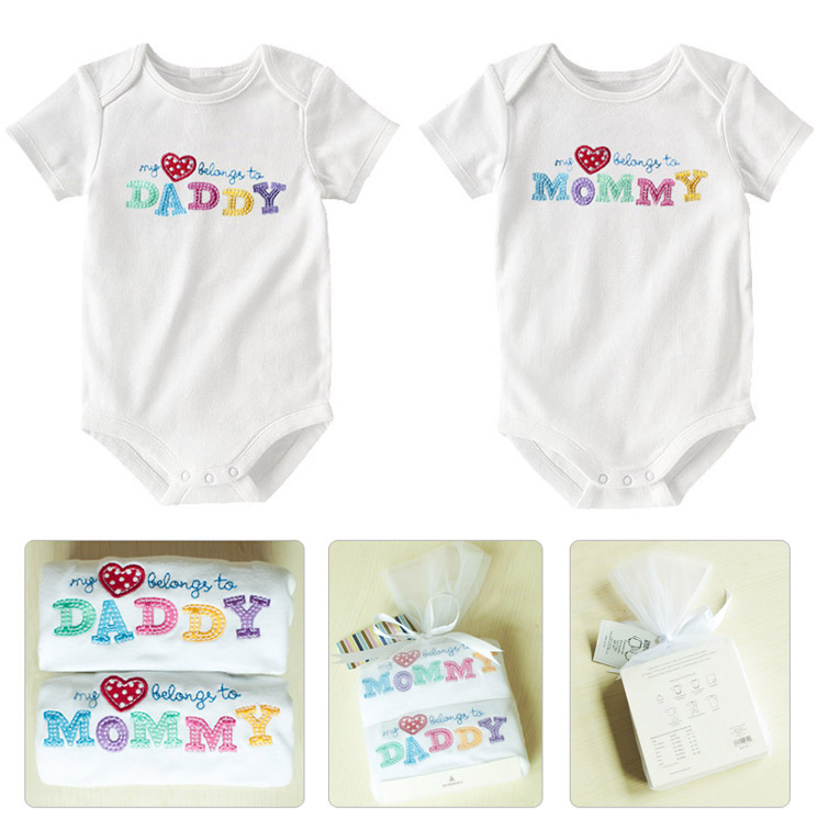 New! high quality 100% cotton beauty packing 2 pcs gift sets,birthday girl or boy baby romper set , Baby Christmas Clothes !!!!!(China (Mainland))