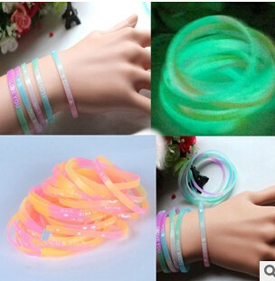 Fashion Luminous Color Fluorescent Color Soft Rubber Silicone Bracelet For All Of People of B53(China (Mainland))