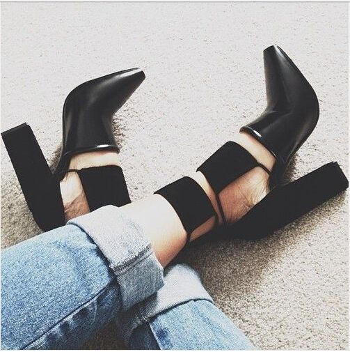 2016 New Summer Style Womens Lace Up High Heels Pointed Toe Bandage Stiletto Sandals Celebrity Ladies Shoes Pumps Black <br><br>Aliexpress