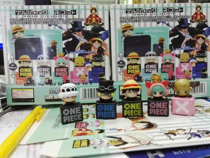 Anime One Piece Dust Plug Trafalgar Law Luffy Sabo Chopper Sugar Mini PVC Action Figure Toy 3cm 5pcs/set KT1322(China (Mainland))