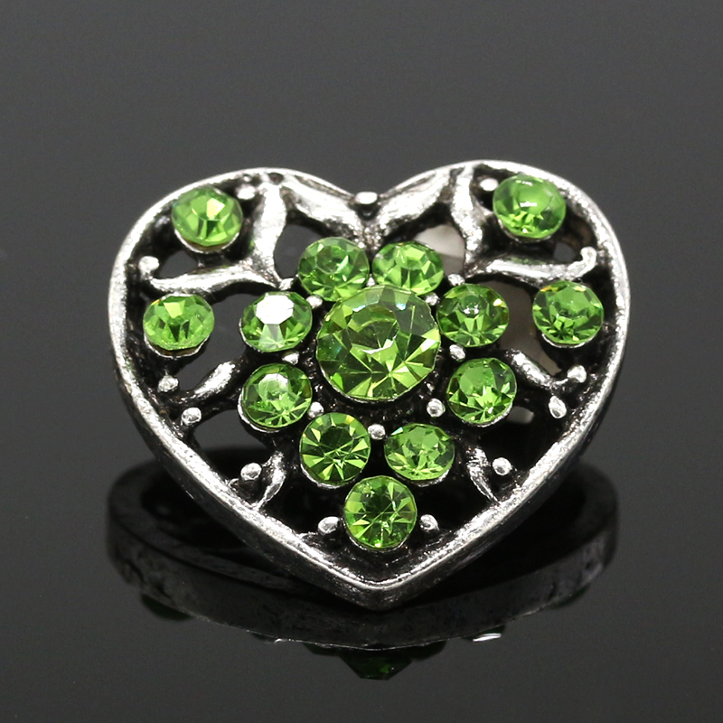 Metal Snaps Rhinestone Green or pink Heart Ginger Snap Jewelry 20mm Snap Button Fit Charm Bracelet Jewelry 5pcs/lot 2016 NZ063(China (Mainland))