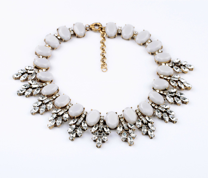 Fashion accessories vintage crystal leaves pendant short design necklace(China (Mainland))