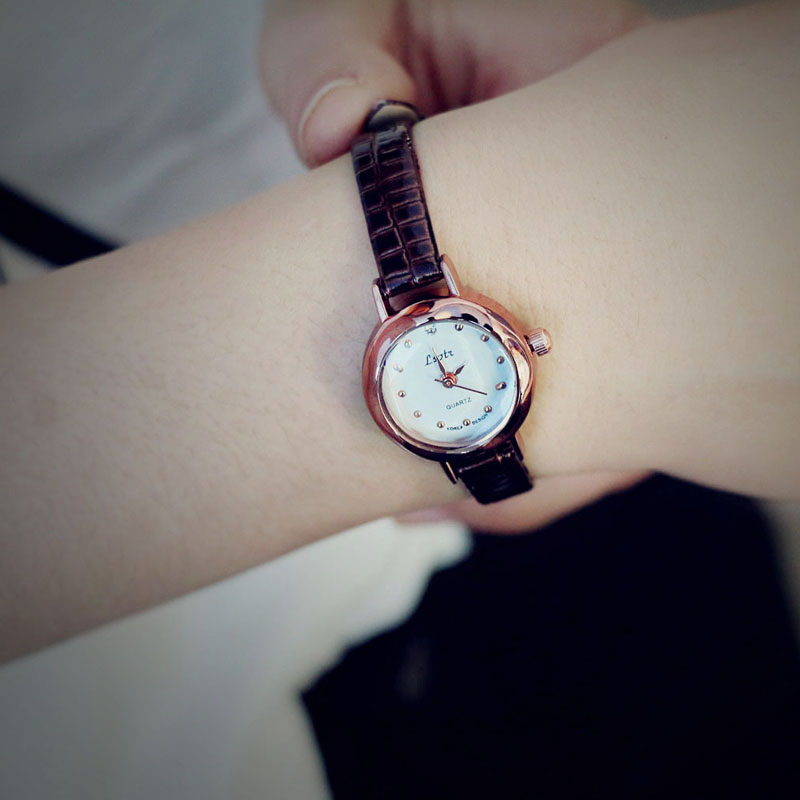 Watch brief the trend of fashion small casual strap girls soft vintage honey watch(China (Mainland))