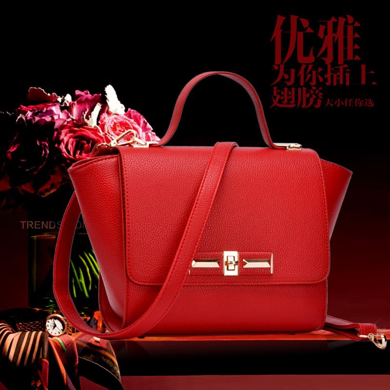 The new spring and summer 2015 fashion embossed bat wing swing Bag Shoulder Bag Handbag Bag Size(China (Mainland))