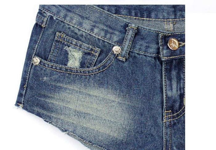 Сексуальные потёртые джинсы