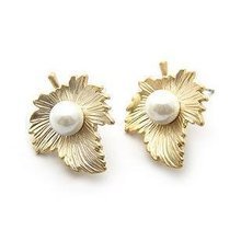 Gold maple leaf with artificial pearl fashion earrings,18kgp +free shipping(China (Mainland))