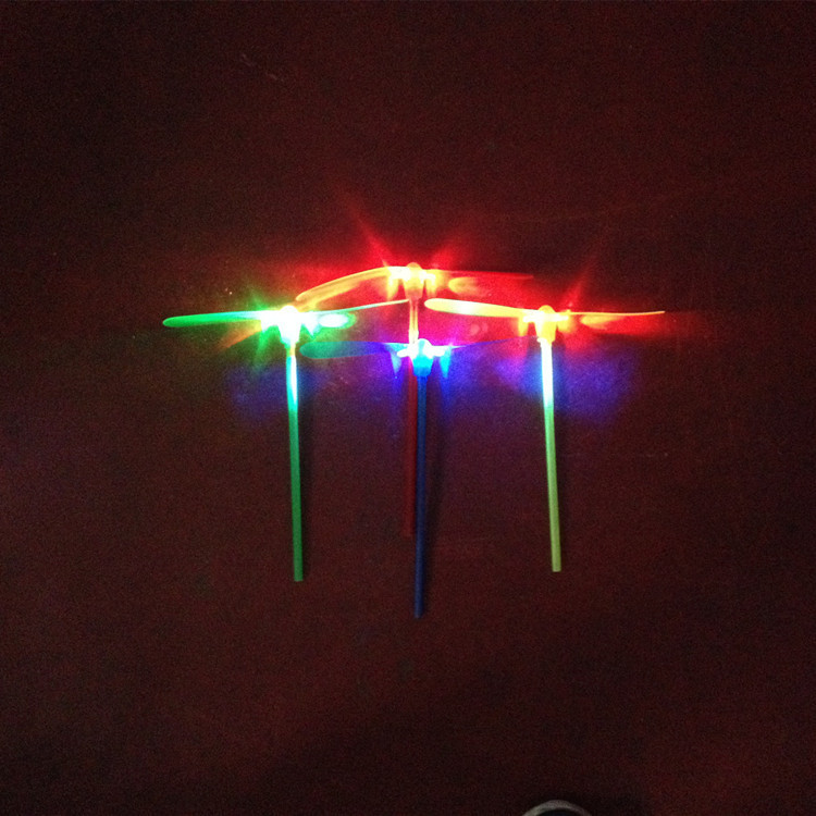 Flying Outdoor LED toys small plastic Luminous children toy light(China (Mainland))