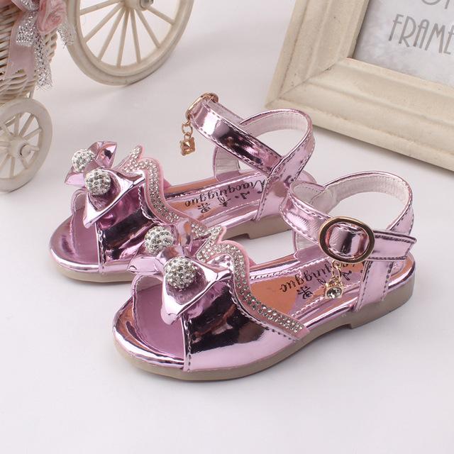 Q 2016 девушка обувь летние новые дети мода свободного покроя сандалии мягкое дно головкой с открытым носком сандалии девушка обувь ребенка розовый-золото