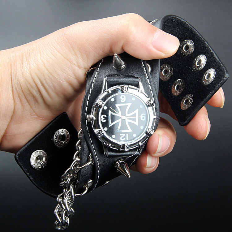Rock Punk Cool Men Black Fashion Casual Wristwatch Sharp Studs Genuine Leather Wrist Watches